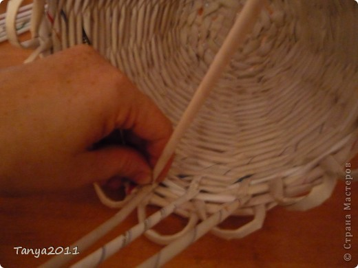 Такую корзинку можно подарить, использовать под рукоделие, косметику и другое. фото 7