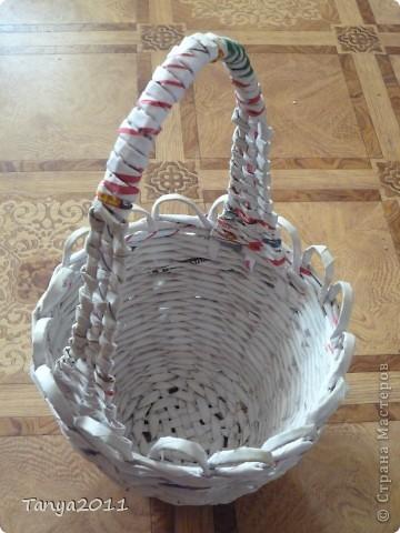 Такую корзинку можно подарить, использовать под рукоделие, косметику и другое. фото 11