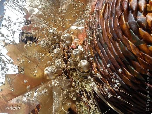Решила окрасить морилкой,то что наплела,за какое-то время.Собрались в отпуск,на море)))) и за одно подготовила подарки родным. Думаю им будет приятно!!!   Все окрашено морилкой(ольха,дуб,мокко,красное дерево) украшено сухими веточками,их брызгала золотой краской.  фото 3