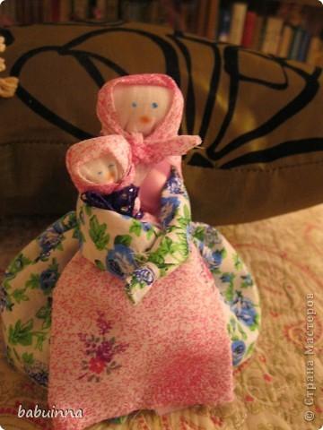 Немножечко развлекла внучку- сделали маму-закрутку фото 1