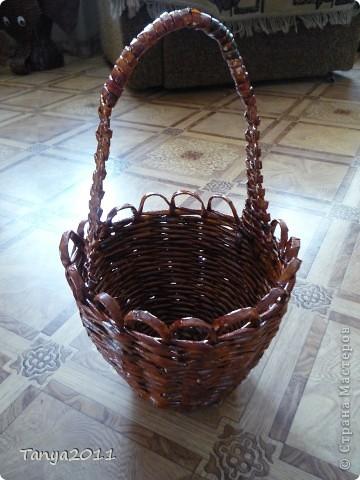 Такую корзинку можно подарить, использовать под рукоделие, косметику и другое. фото 1