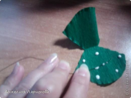 Вам потребуется:  Цветная гофрированная бумага – для цветка;  Зелёная гофрированная бумага – для чашелистиков и листьев;  Проволока «волосы ангела»;  Металлический стебель, шпажка (зубочистка).  Шаблоны лепестков (А и В), чашелистика (С) и листа (Д) фото 18