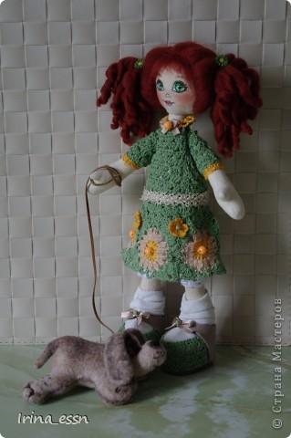 Это девочку зовут Рита. Она очень любит своего щеночка Санчика. Правда, он вышел неопределенной породы )))  фото 4