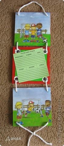 Появлению этого наборчика способствовало возмущение моего сына о том, что он мне таскает сумки с деревяшками для декупажа, а я все делаю для кого-то... Пришлось исправляться... фото 7