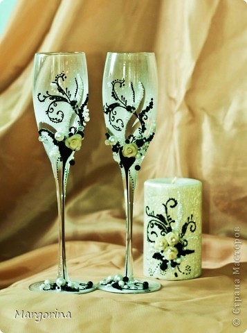 """Свадебные бокалы и свеча """"Черным по белому"""" фото 1"""