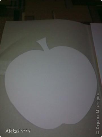 Очень легкий и короткий МК. Решила украсить кухню. И сделала такие вот веселенькие яблочки. Они очень легки в исполнение и их может сделать даже ребенок. Начнем фото 2