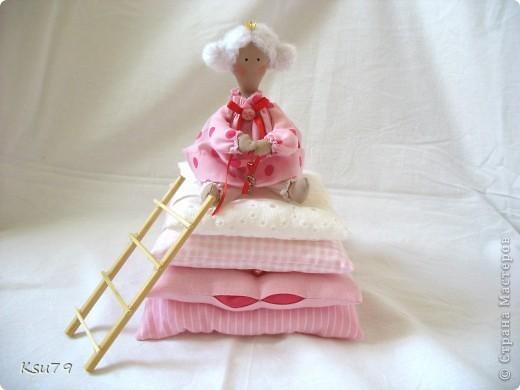 Пошив миниатюр продолжается! муж, когда увиделмасштабы моих кукол, спросил, когда начну блохам тапочки шить.  фото 7
