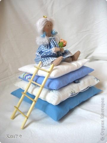 Пошив миниатюр продолжается! муж, когда увиделмасштабы моих кукол, спросил, когда начну блохам тапочки шить.  фото 3