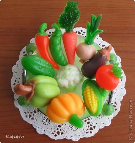 """овощи. основа+красители+ароматизатор """"нежный"""" Овощных ароматов к сожалению нету. Промучилась с ними 2 часа фото 1"""