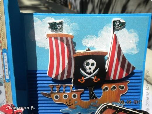 Добрый день всем, кто почтил меня своим вниманием. Сегодня я хочу показать вам открытку для моего двухлетнего сынишки. Для неё использовала набор детских 3D наклеек с пиратской тематикой.  фото 3