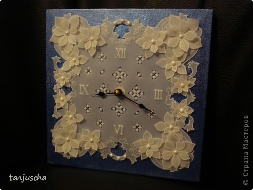 Сегодня доделала часы в технике пергамано. Вставила им механизм теперь тикают.Цветочки сделаны в 3д из пергамента.  фото 5