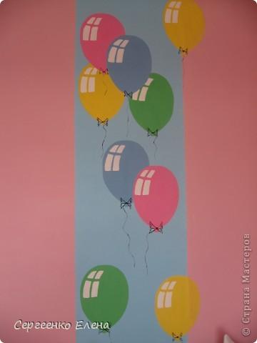 К новому учебному году в спальнях нашего дошкольного учреждения воспитатели самостоятельно сделали ремонт. А моя задача была росписать стены и сделать все в едином (для всего сада) стиле. Старалась, как могла. Посмотрите, что получилось. фото 7