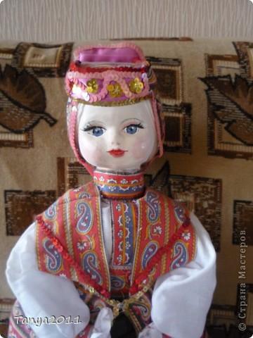 Кукла в костюме Воронежского края. Делаю туловище из пластиковой бутылки, голова - папье-маше, руки и ноги - из пластики. Высота 90 см. фото 2
