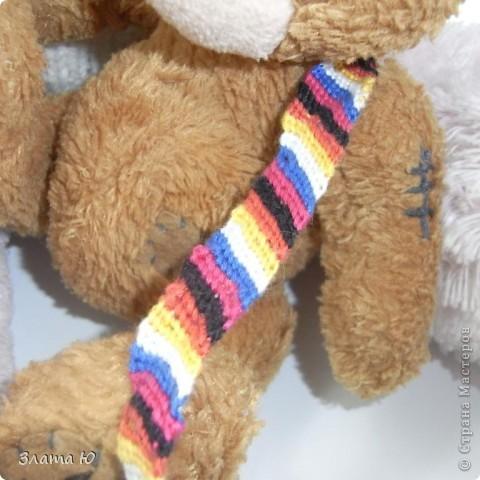 Все вместе.(См.голову розового Мишки,на руке у розового Мишки,и на плече у коричневого медвежонка). фото 2