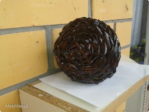 Были у меня баночки из-под кофе, бронзовая краска по металлу и газетные трубочки. фото 4