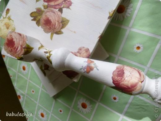 Подставка под цветы спокойно выдерживает такую вазу с цветами. фото 5