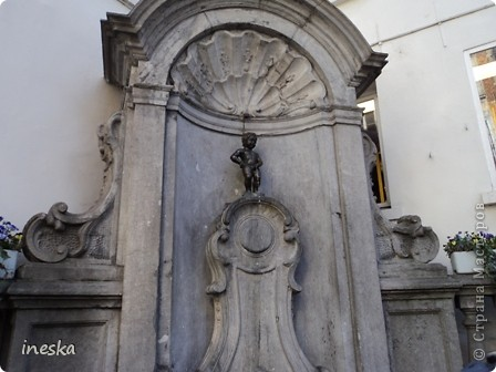 Вот мы и приехали в Брюссель,и сразу же пошли в центр ,Это площадь Императоров если не ошибаюсь а это и памятник одному из них фото 6