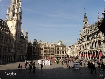 Вот мы и приехали в Брюссель,и сразу же пошли в центр ,Это площадь Императоров если не ошибаюсь а это и памятник одному из них фото 8