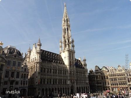 Вот мы и приехали в Брюссель,и сразу же пошли в центр ,Это площадь Императоров если не ошибаюсь а это и памятник одному из них фото 9