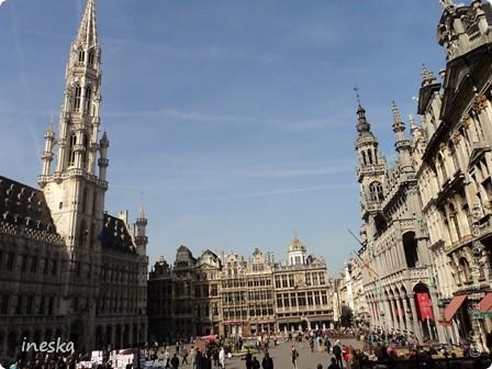 Вот мы и приехали в Брюссель,и сразу же пошли в центр ,Это площадь Императоров если не ошибаюсь а это и памятник одному из них фото 10