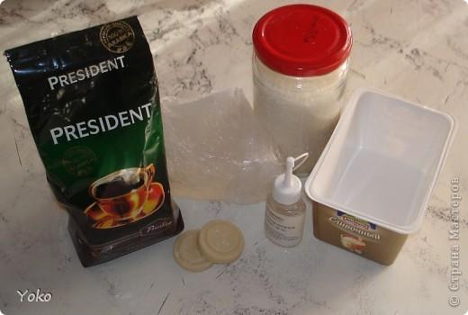 Приветик всем! Вот решила поделиться рецептиком сахарного скрабика (как его делаю я). Простите за качество фотографий: делала буквально за полчаса до похода в баню)))))))) Итак приступим! фото 2