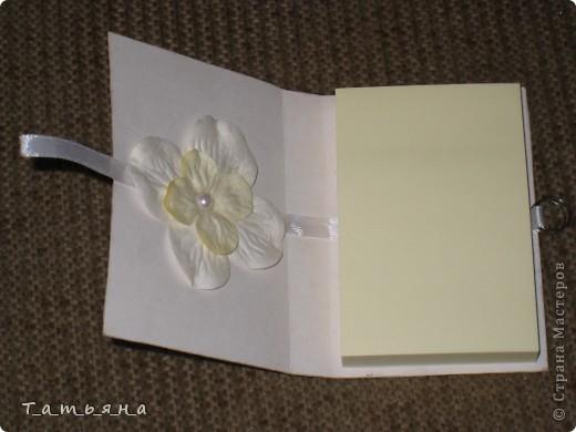 Решила попробовать сделать блокнотики для стикеров. Пока их 2 надеюсь, что не последние! фото 3