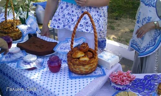 В нашем городе Муроме в это лето проходило два праздника.День семьи, любви и верности 8 июля и День города 6 августа. Это сборный фоторепортаж с обоих праздников.  Ромашки- символ Дня семьи фото 12