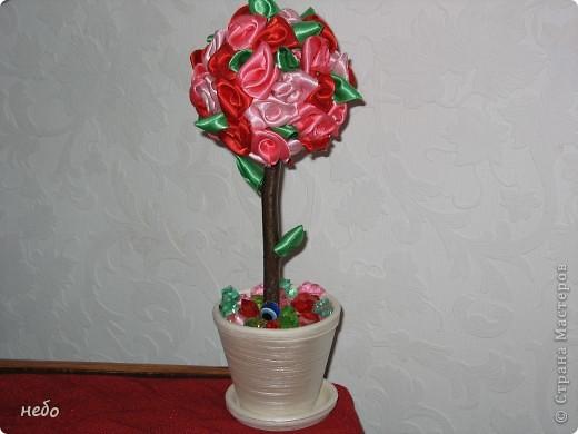 деревце из ленточек, делала в подарок. фото 3
