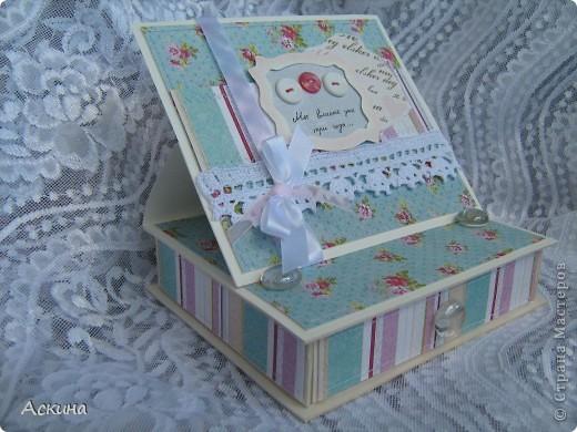 Идею такой шкатулки увидела у нашей мастерицы Юлии (YuliaM) http://stranamasterov.ru/node/201229 и сразу же захотелось сделать,тем более повод был. фото 3
