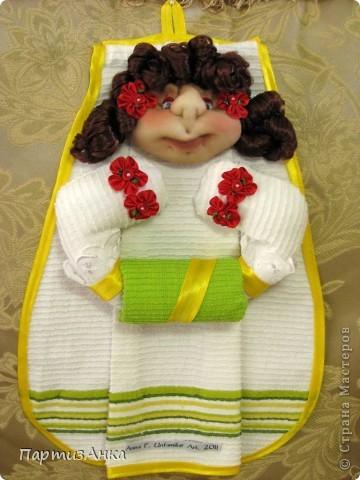 Привет, Страна! Найдя замечательный МК Елены Свиридовой  https://stranamasterov.ru/node/210571?c=favorite_451  не смогла удержаться, и создала держательницы для полотенец (я назвала их полотенницами), но в технике скульптурного текстиля. Вуаля - групповое фото. фото 10