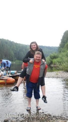 Представляю вашему вниманию большой, увлекательный и веселый фоторепортаж о путешествии по реке Чусовой - жемчужине Урала. Фото сделаны в августе прошлого года и в нынешнем году фото 50