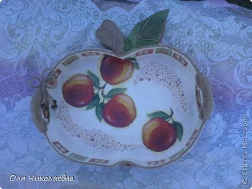 Сестрёнке на день рождения, дарю поднос в яблоках, изготовленный из картона. фото 15