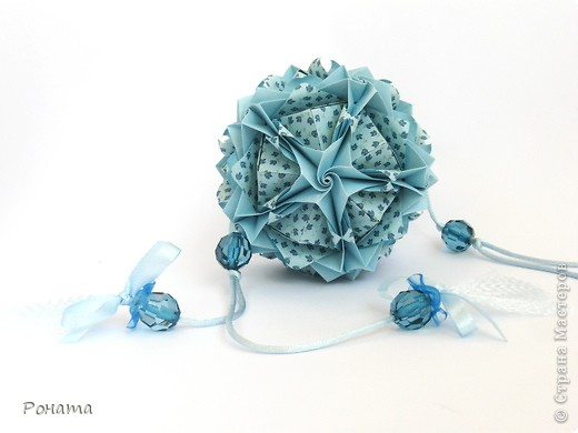Всем привет! Продолжаю показ кусудам Марии Синайской :)  Модель: Lotus crown Автор: Maria Sinayskaya 30 модулей. Бумага офисная 7*7 см. Итог 8,5 см.  Без клея. Диаграмма здесь - http://www.flickr.com/photos/51642560@N02/5293158076/in/photostream/  фото 7