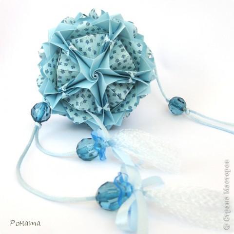 Всем привет! Продолжаю показ кусудам Марии Синайской :)  Модель: Lotus crown Автор: Maria Sinayskaya 30 модулей. Бумага офисная 7*7 см. Итог 8,5 см.  Без клея. Диаграмма здесь - http://www.flickr.com/photos/51642560@N02/5293158076/in/photostream/  фото 5