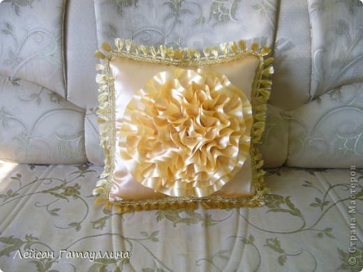"""Декоративная подушка """"Золотое сияние"""" фото 2"""