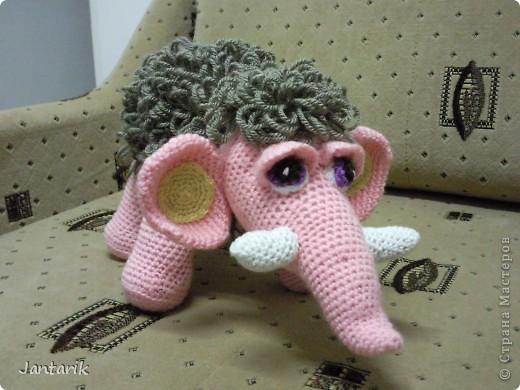 Знакомьтесь- маленькая мамонтёнка Лялечка от yuliya-kinsfater  .Я долго думала,как же мамонтёнок в женском роде будет?Мамонтиха-это уже взрослый образ и выдумалось новое слово -мамонтёнка. фото 1