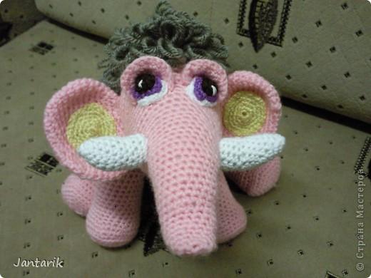 Знакомьтесь- маленькая мамонтёнка Лялечка от yuliya-kinsfater  .Я долго думала,как же мамонтёнок в женском роде будет?Мамонтиха-это уже взрослый образ и выдумалось новое слово -мамонтёнка. фото 8