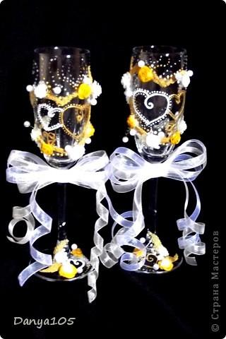 В набор ещё входила, пара бокалов для битья, подушечка для колец и тонкие свечи. Но не было возможности сфотографировать фото 4