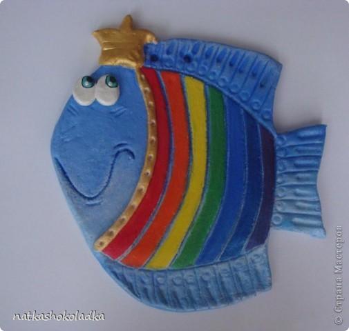 Муж купил мне новые перламутровые краски, и я не смогла удержаться и решила сделать своей дочке такую рыбку-принцессу, будем вместе цвета учить. Вдохновитель - Kukushechka и ее красивейшие рыбки. фото 1