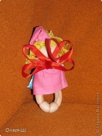 Здравствуйте! Сшила на днях еше одну сплюшку девчушку. Получилась вот такая смешная куколка))).Подушечку на этот раз ароматизировала орхидеей и ванилью. фото 2