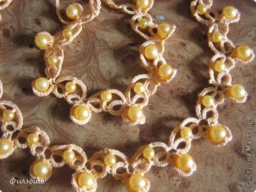 комплект  схему взяла на одном из сайтов инета, связав ожерелье и серёжки захотелось ещё дополнить браслетом. фото 2