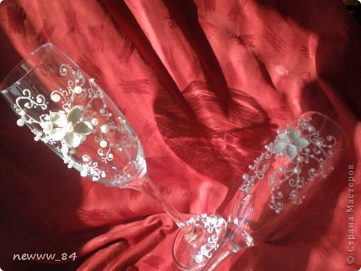 """Эксперименты по лепке цветочков -""""нерозочек"""" продолжались... И вот что из этого вышло)) Кстати, эта пара бокалов оказалась самой любимой у моего мужа. фото 1"""