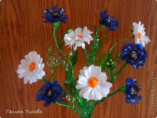 Цветы из яичных ячеек.  Мастер-класс: http://masterica.maxiwebsite.ru/archives/1088#more-1088 фото 13