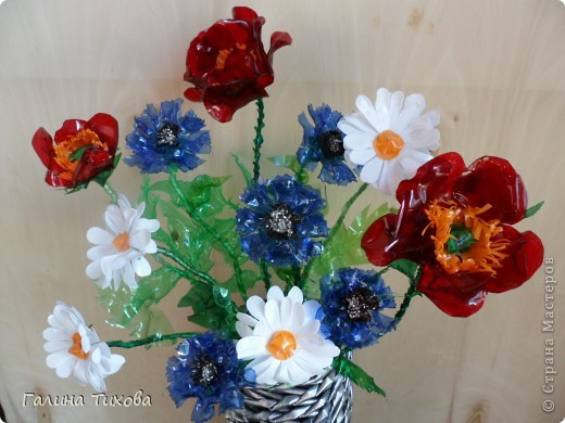 Цветы из яичных ячеек.  Мастер-класс: http://masterica.maxiwebsite.ru/archives/1088#more-1088 фото 2