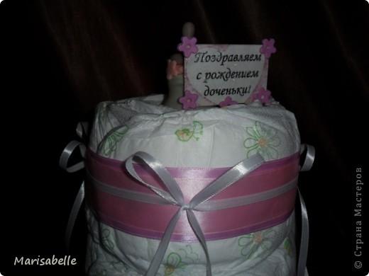 Подарок для новорожденной – торт из подгузников (памперсов) и поделка из холодного фарфора фото 2
