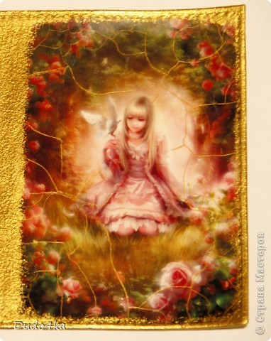 Кожаная обложка для паспорта, декорирована в технике декупаж, искусственно состарена кракелюрным лаком, покрыта стекловидным лаком. фото 3