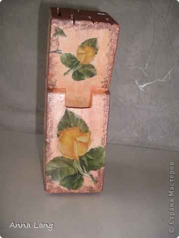 Вот и я решила обновить старую подставку для ножей, которая стояла на кухни моей мамы. фото 3