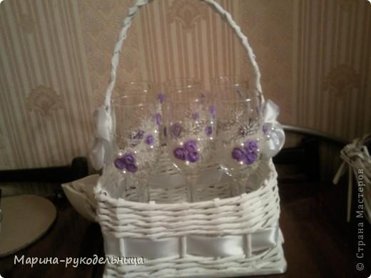 Вот такую корзиночку с бокалами в подарок на день рождения мне заказали  фото 1