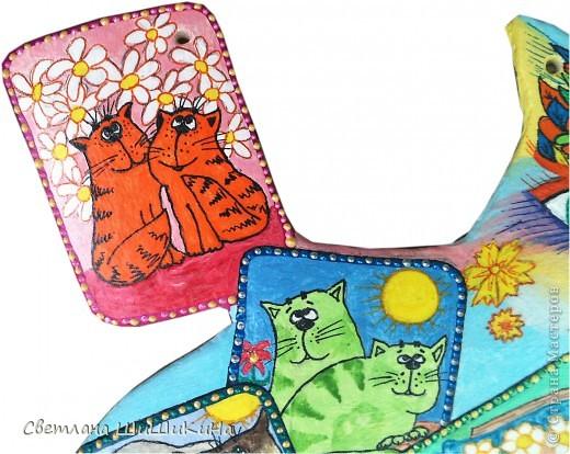 Собиралась росписать карточного котика по рисунку Оксаны Заики, но как то у меня к нему душа не лежала... Кот этой формы вылеплен и давно уже высох, а карты не хочется рисовать, хоть тресни... Вот я и решила заменить их картинками с батика художницы Алисы Майской. фото 6