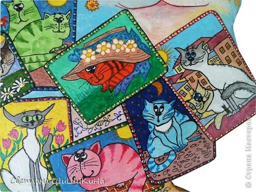 Собиралась росписать карточного котика по рисунку Оксаны Заики, но как то у меня к нему душа не лежала... Кот этой формы вылеплен и давно уже высох, а карты не хочется рисовать, хоть тресни... Вот я и решила заменить их картинками с батика художницы Алисы Майской. фото 3